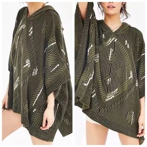 [Ecote] [UO] chunky olive hooded sweater poncho